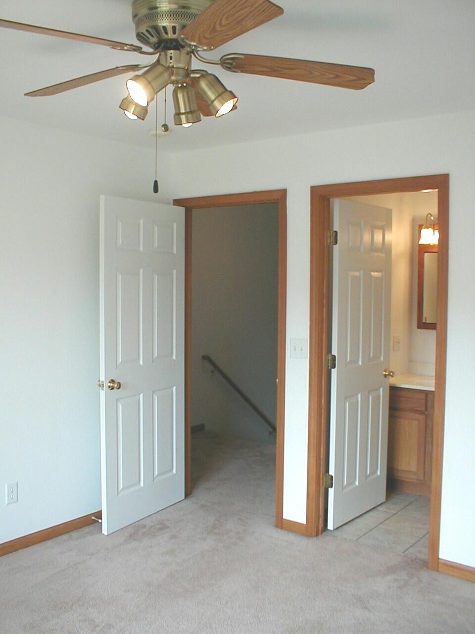 614 704 E Park Street Apartments G R Rentals